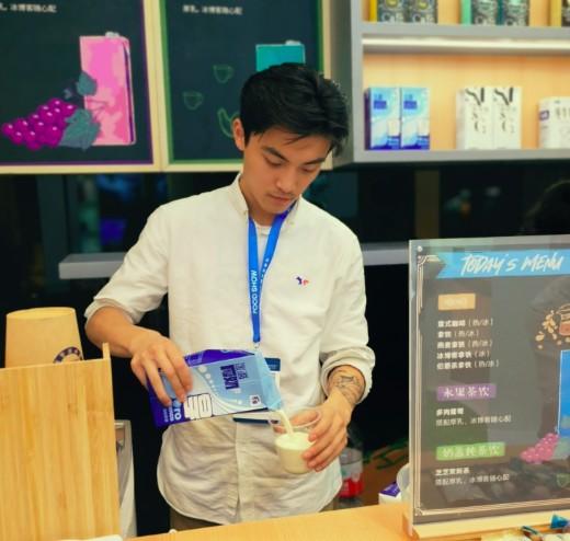 塞尚厚乳:品类创新 赋能食品饮料大发展