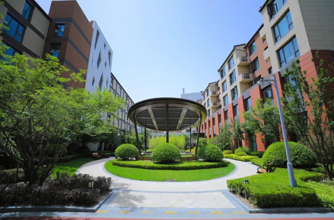 乐成集团专业康养服务,打造理想的居家颐养生活