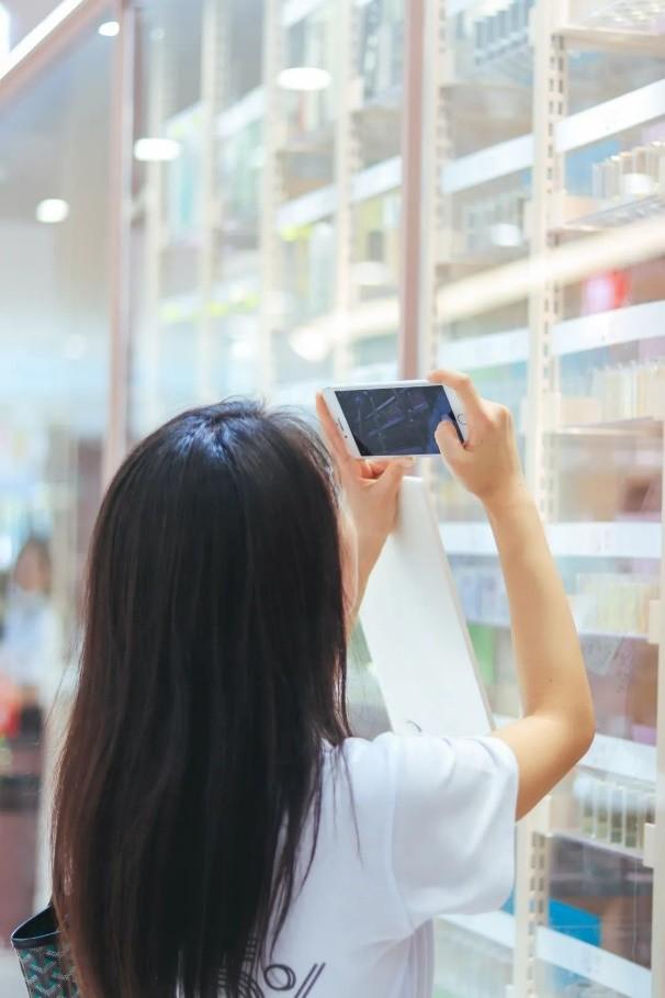 武汉诺得佳旗下美妆零售品牌NODE+5%无人免税会员店落户万达广场